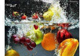 Vers fruit spatten in water
