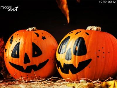 Twee halloween pompoenen grappig en griezelig