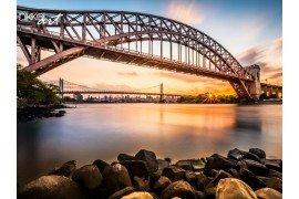 Hell Gate en Triborough bridge bij zonsondergang