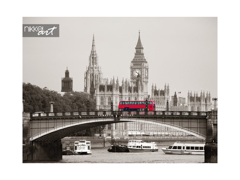 De Big ben huis van Parlement en lambeth bridge met rode bus in Londen