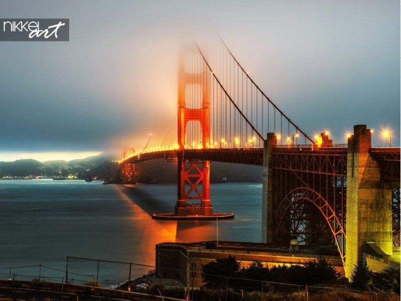 San francisco golden gate brug in de mist