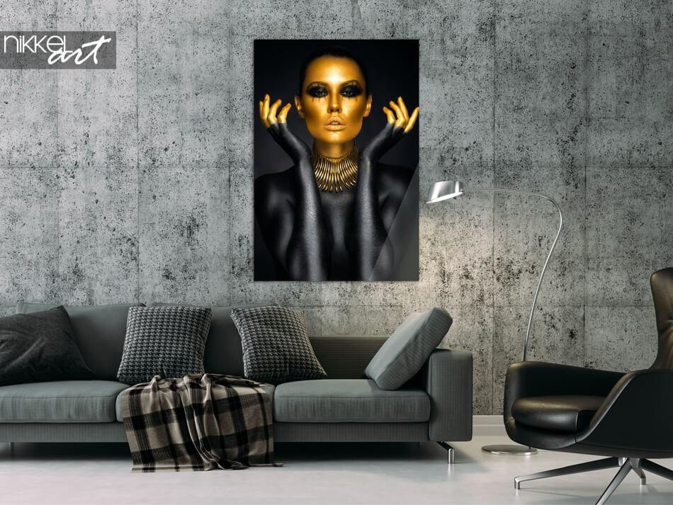 Portret met gouden accenten op plexiglas