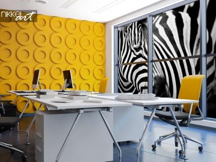 Kleurrijke Kantoorruimte met Raamsticker Zebra