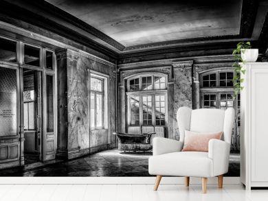 Peter Odekerken - Abandoned Bath black & white