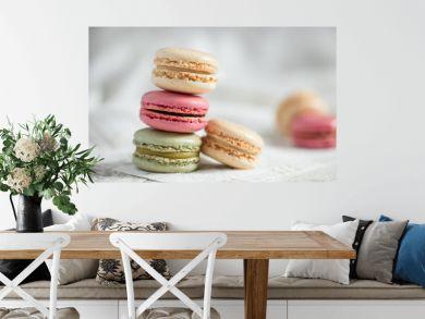Pyramide de macarons colorés