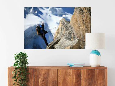 Alpiniste en contemplation
