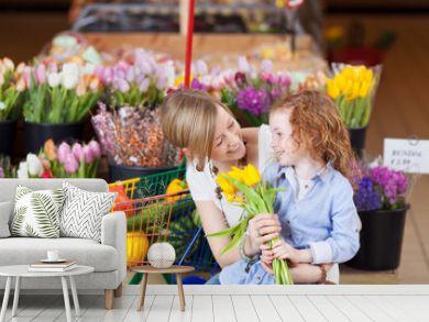 mutter und tochter kaufen tulpen