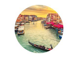 Gondel bij de Rialtobrug in Venetië, Italië