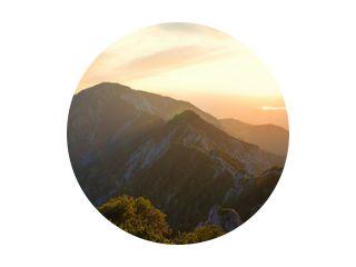 alpine landschap panorama in de avond, herzogstand mountain