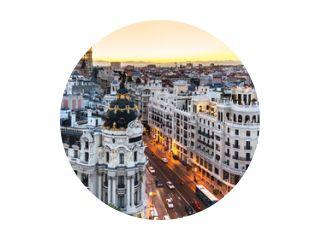 Panoramisch uitzicht op de Gran Via, Madrid, Spanje.
