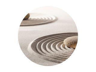 zen balans met stenen en zand