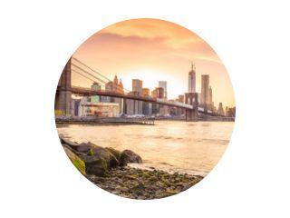 Brooklyn Bridge bij zonsondergang