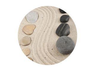 achtergrond met stenen en zand voor meditatie en ontspanning to