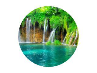 Exotisch waterval- en meerlandschap van Nationaal Park Plitvicemeren, UNESCO-werelderfgoed en beroemde reisbestemming van Kroatië. De meren bevinden zich in centraal Kroatië (eigenlijk Kroatië).
