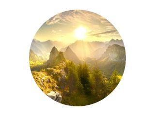 Herfstbergen bij zonsopgang in Zwitserland
